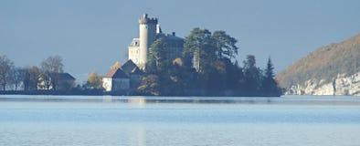 城堡湖 免版税图库摄影