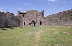 城堡现场内在南威尔士白色 免版税库存图片