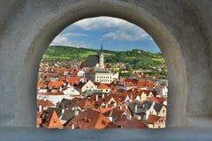 从城堡的全景 Český Krumlov cesky捷克krumlov中世纪老共和国城镇视图 免版税库存照片
