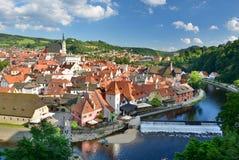 从城堡的全景 Český Krumlov cesky捷克krumlov中世纪老共和国城镇视图 库存图片