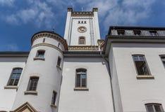 城堡的白色塔在奥里希县 库存图片