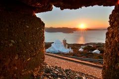 从城堡的看法在日落 Plaka,芦粟 基克拉泽斯海岛 希腊 免版税库存照片