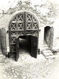城堡给老装门 免版税库存照片