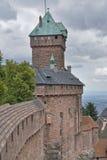 城堡详细资料haut koenigsbourg 图库摄影
