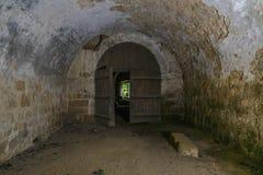 城堡里面废墟  免版税库存图片