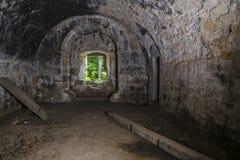 城堡里面废墟  免版税图库摄影