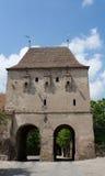 城堡防御给塔装门 免版税图库摄影