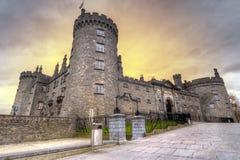 城堡黄昏基尔肯尼 免版税库存图片