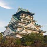 城堡黄昏大阪 免版税库存图片