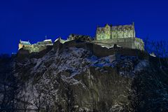 城堡黄昏爱丁堡苏格兰英国冬天 免版税库存图片