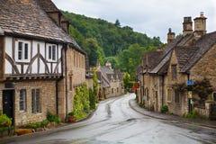 城堡Combe街道 独特的老英国村庄 免版税库存照片