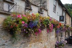 城堡Combe街道 独特的老英国村庄 图库摄影