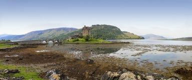 城堡donan eilean高地苏格兰 图库摄影