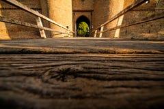 城堡Doornenburg入口  免版税库存照片