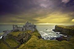 城堡dunluce 库存图片