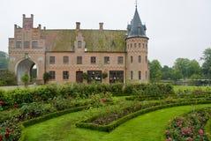 城堡egeskov庭院 免版税库存图片