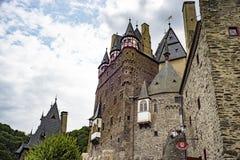 城堡Eltz是德国人绝对惊人的堡垒城堡 免版税库存照片