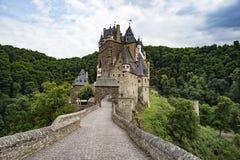 城堡Eltz是德国人绝对惊人的堡垒城堡 免版税库存图片