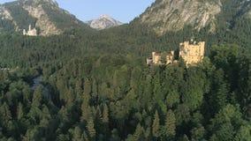 城堡Hohenschwangau日落上升空中4k 股票视频