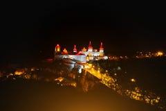 城堡Kamyanets-Podilsky的晚上视图 免版税库存图片