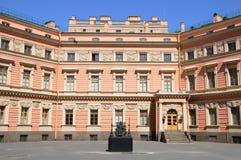 城堡mikhailovsky庭院的工程 库存照片