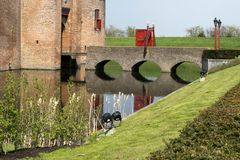 城堡Muiderslot在村庄Muiden在荷兰,荷兰,欧洲 免版税库存图片