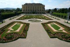 城堡nbrunn sch wien 免版税图库摄影