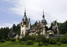 城堡peles视图 免版税图库摄影