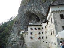 城堡Predjama 库存图片