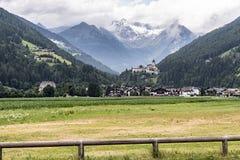 城堡Taufers在园地Tures, Aurina谷,意大利 免版税库存照片