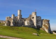 城堡Zamek Ogrodzieniec,波兰的废墟 库存图片