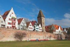 城市、城市墙壁Stadtmauer和塔Metzgerturm 乌尔姆,巴登-符腾堡州,德国 免版税库存照片
