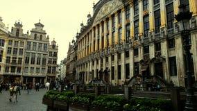 城市、建筑学、艺术、街道画、历史、秀丽和雕象在最美丽的城市在世界上 免版税库存图片