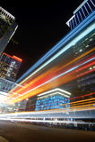 城市五颜六色的晚上 免版税库存照片