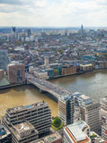 城市伦敦视图 从伦敦的摩天大楼32地板的全景  免版税库存照片
