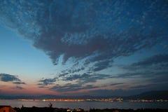 城市克罗地亚分开的日落 免版税库存照片