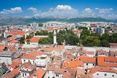 城市克罗地亚分开的视图 库存图片