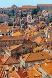 城市克罗地亚杜布罗夫尼克市老屋顶 库存照片