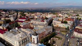 城市切尔诺夫策,乌克兰空中录影  切尔诺夫策城镇厅 影视素材