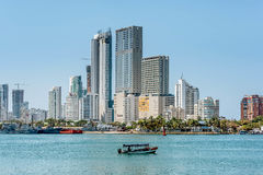 城市卡塔赫钠,哥伦比亚的地平线 免版税库存图片