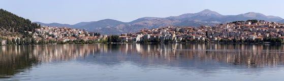 城市卡斯托里亚希腊的看法 图库摄影