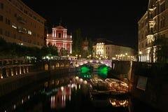 城市卢布尔雅那晚上斯洛文尼亚视图 库存照片