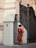 城市卫兵战士瑞士梵蒂冈 库存图片