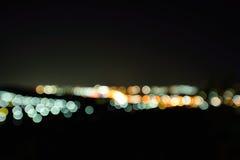 城市和交通被弄脏的光  库存图片