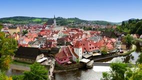城市和历史的城堡全景在捷克克鲁姆洛夫 cesky捷克krumlov中世纪老共和国城镇视图 股票视频
