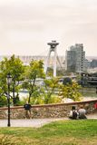 城市和多瑙河, turist的全景在布拉索夫cas 免版税库存图片