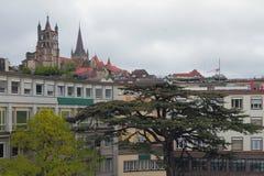 城市和大教堂 洛桑,瑞士 免版税库存照片