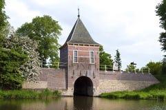 城市和水闸Oude Gouwsboom在恩克赫伊森 库存照片