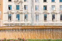 城市喷泉的看法,巴塞罗那,西班牙 复制文本的空间 特写镜头 图库摄影