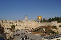 城市圆顶耶路撒冷老岩石 免版税库存图片